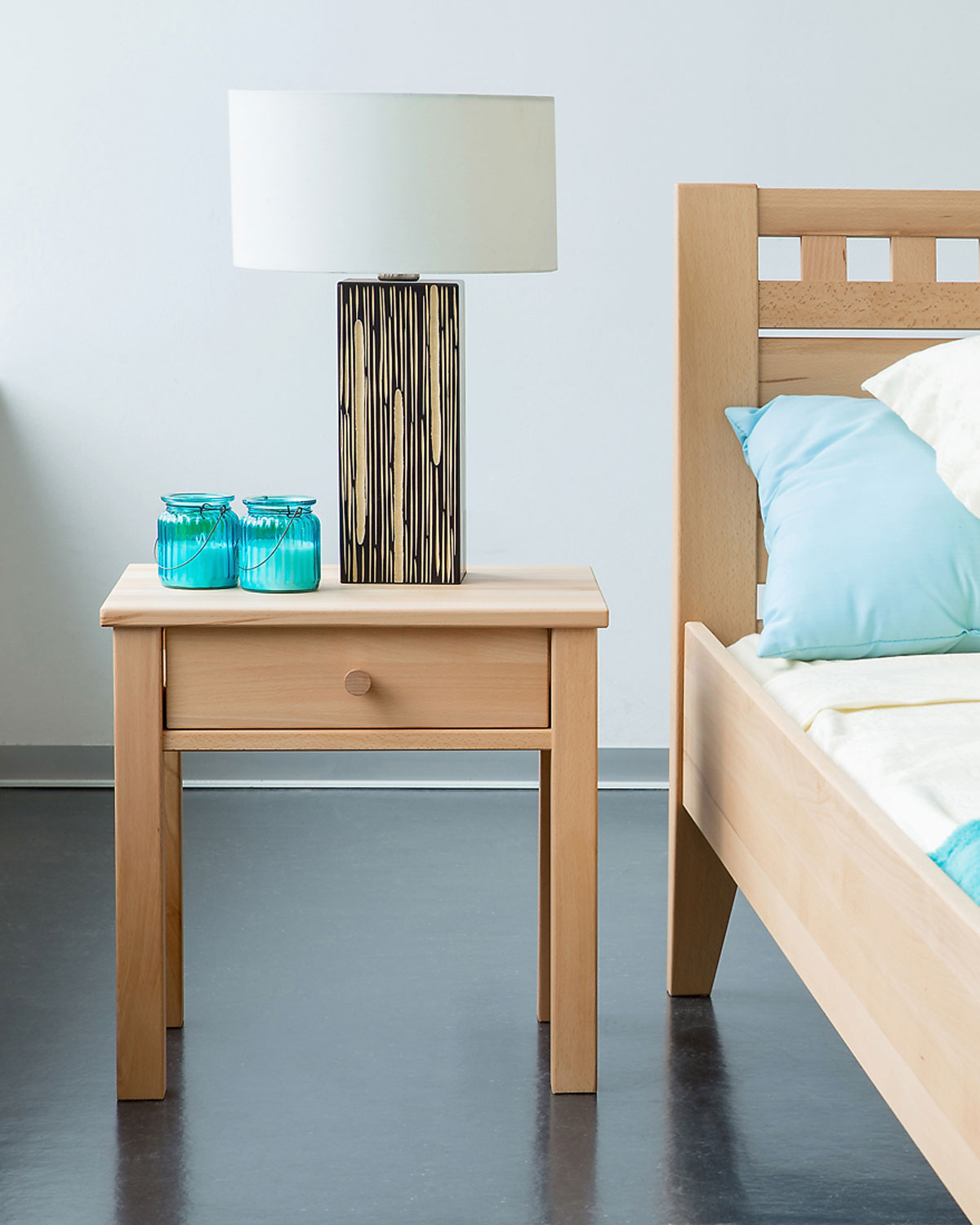 Laurin night stand